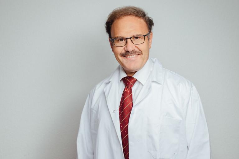 Internist München - Daadoush - Hausarzt und Naturheilverfahren - Team - Portrait M.D. Fadi Daadoush